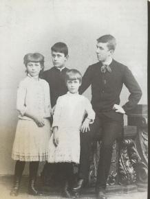 Julia, Thomas, Carla und Heinrich Mann, um 1889 aus: Wysling/Schmidlin (Hrsg.), Thomas Mann, Ein Leben in Bildern, 2. Aufl. 1994